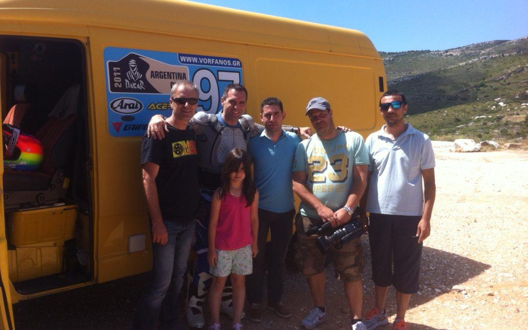 O Βασίλης Ορφανός παρουσιάζει στην εκπομπή Auto-Moto ΕΡΤ την εργοστασιακή του μοτοσικλέτα για το Rally Dakar