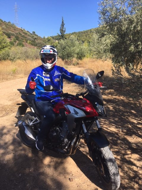 H VOM δοκιμάζει την Honda CB500 X για την εκπομπή AUTO-MOTO EΡT